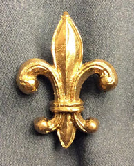 Fleur-de-lis belt mount with split rivet back - Z-91