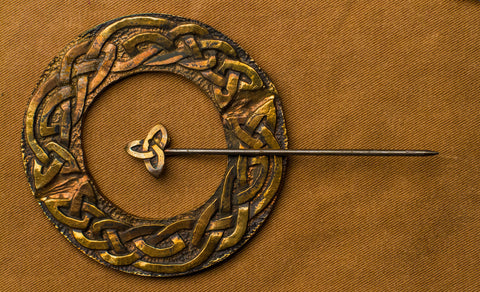 Celtic Pin Brooch - (Large, Round) - R-15