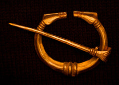 Viking pennanular brooch with lines - W-40