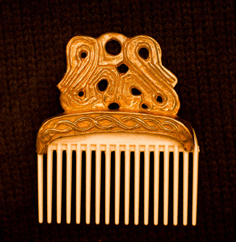 Viking Comb with knot pattern - Y-31