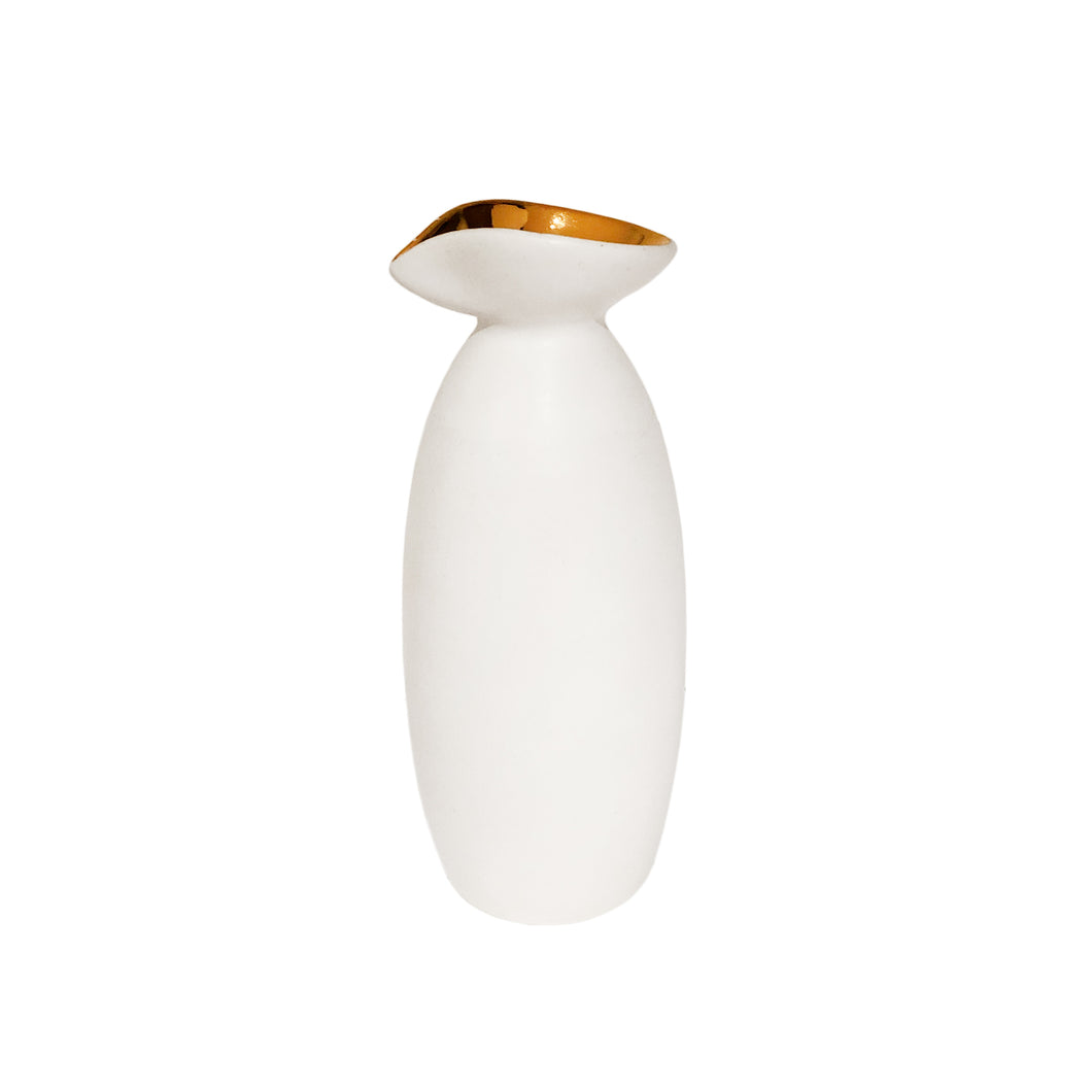 CERAMIC VASE WITH ALABASTER GLAZE AND 22K GOLD LUSTER SPOUT - Flair Home Collection