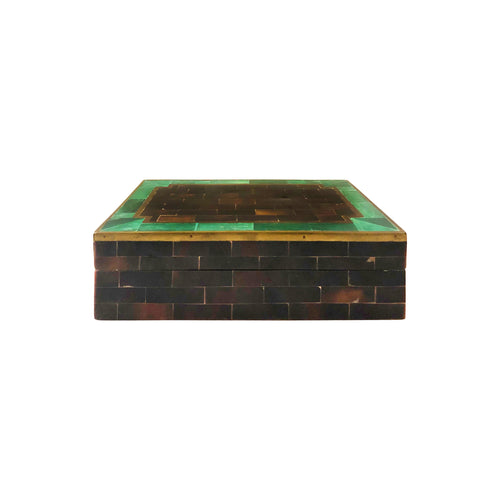 VINTAGE MAITLAND SMITH RECTANGULAR BOX WITH GREEN AND NATURAL INLAID HORN AND BRASS TRIM - Flair Home Collection