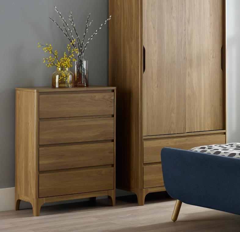 Norsk 4 Drawer Chest
