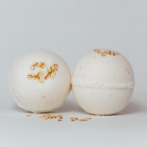 Lamb's Soapworks Oatmeal Honey Bath Bomb
