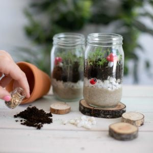 A Mini Garden Kit - Poppy & Daisy