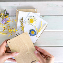 Load image into Gallery viewer, FLOWER PRESS KIT - Poppy & Daisy