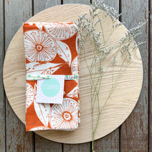 Load image into Gallery viewer, Gum Flower Napkin Set - Rust
