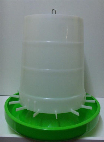 AVICO GEAR BOX WHITE GREEN POULTRY FEEDER 8KG B0121A - City Country Pets and Supplies
