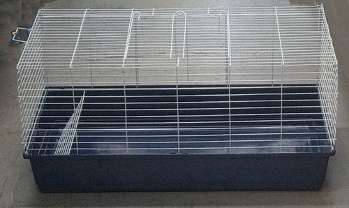 RABBIT HUTCH/CAGE PLASTIC BASE LGE TSA 3647 - City Country Pets and Supplies