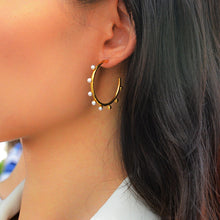 Load image into Gallery viewer, High Hoops Pearl Earrings