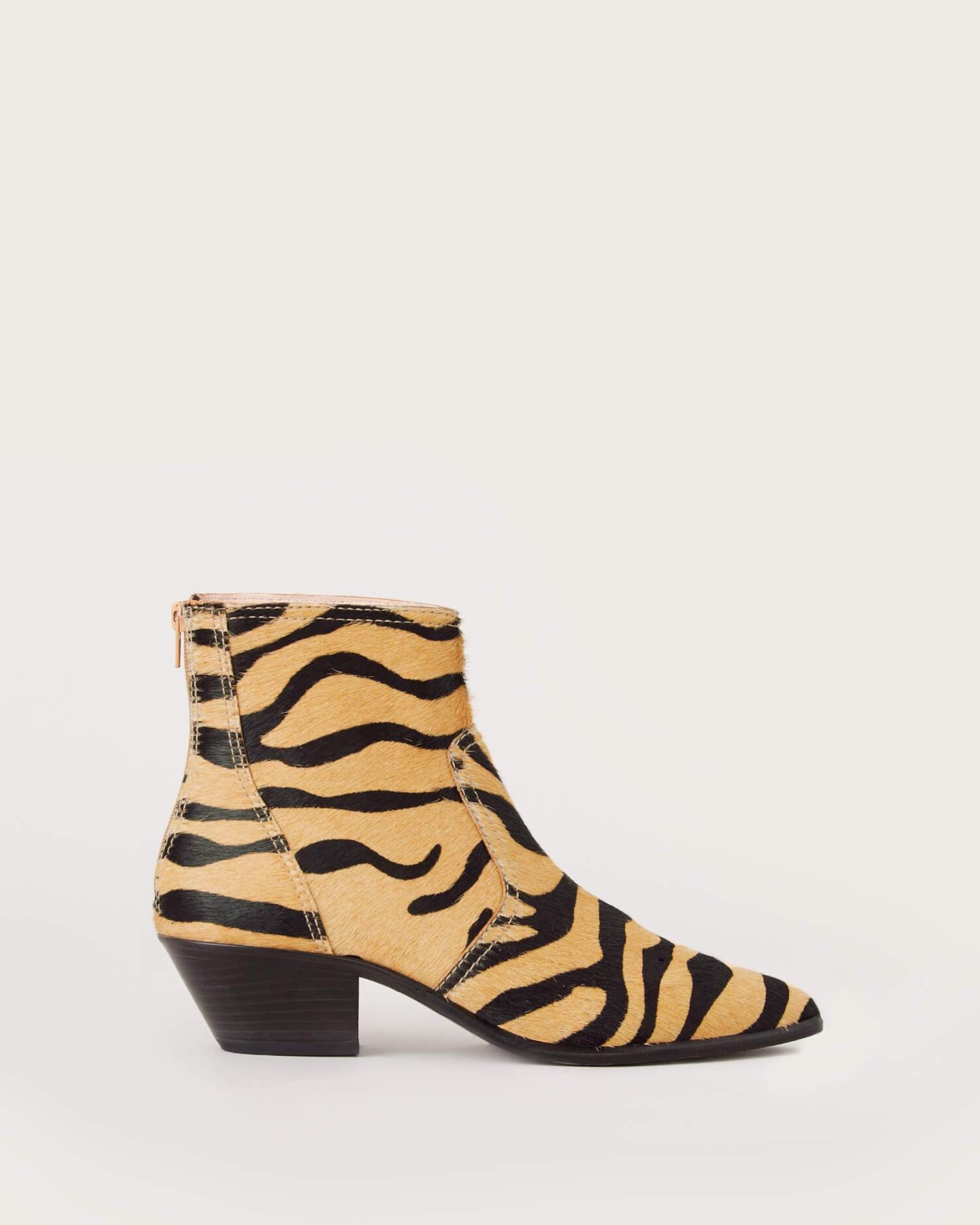 color:Tiger haircalf