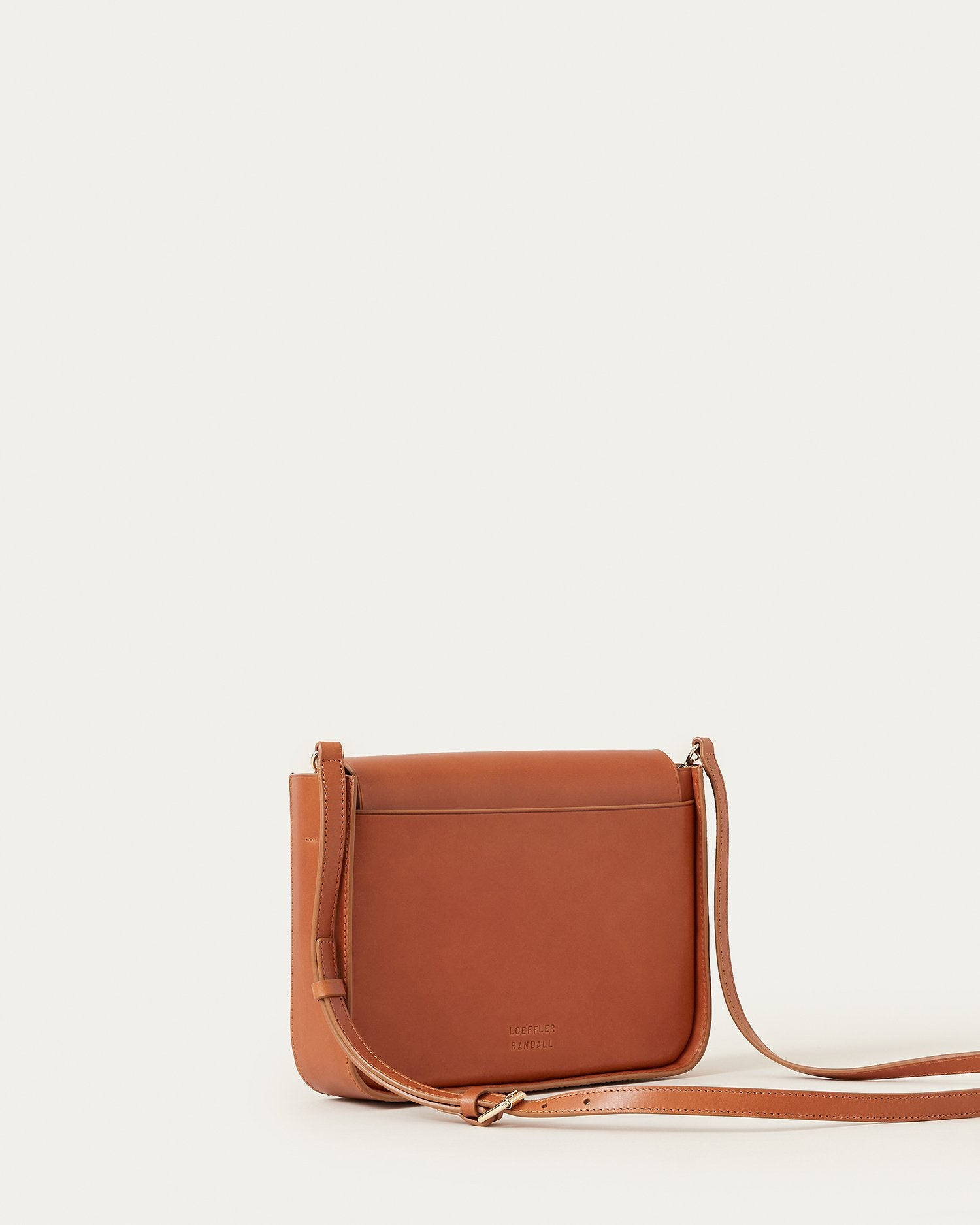 color: Cognac