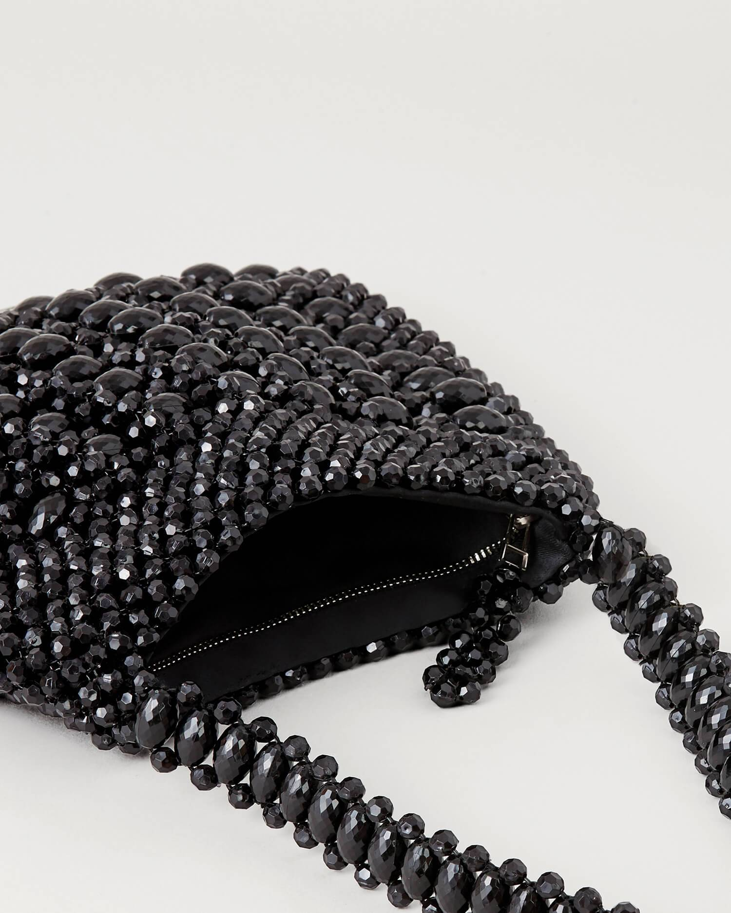 color:Black beads