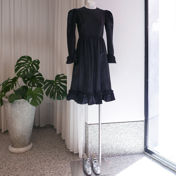 Collarless Prairie Midi Dress in Black