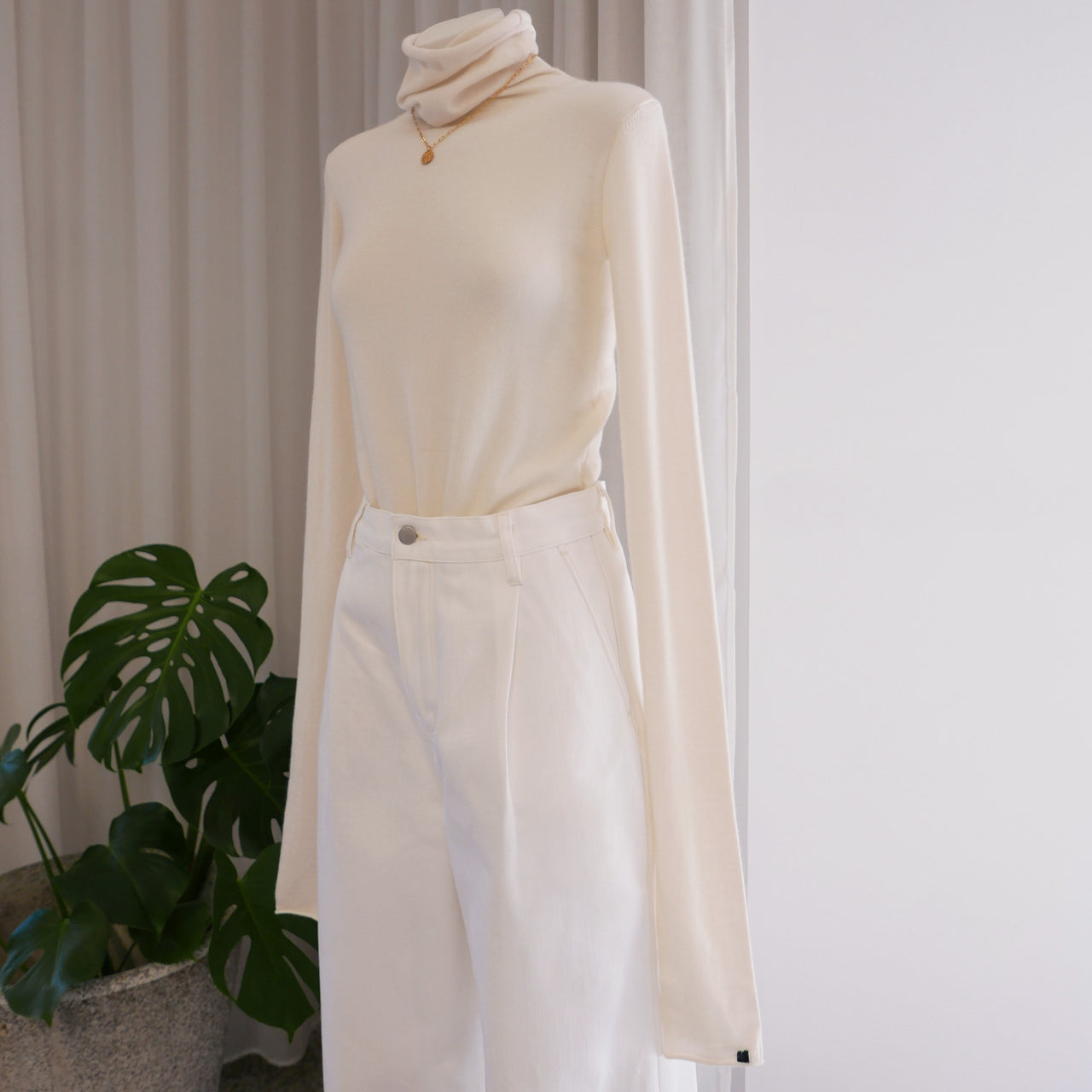 Under Ultrafine Cashmere Top in Cream