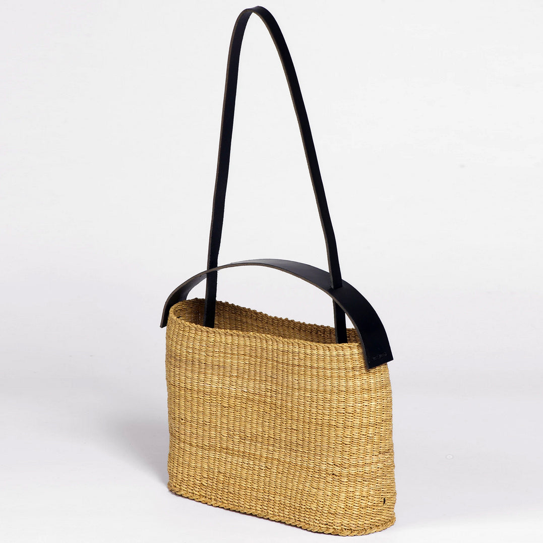 Straw Tote with Two Handles AKAMAE No.20