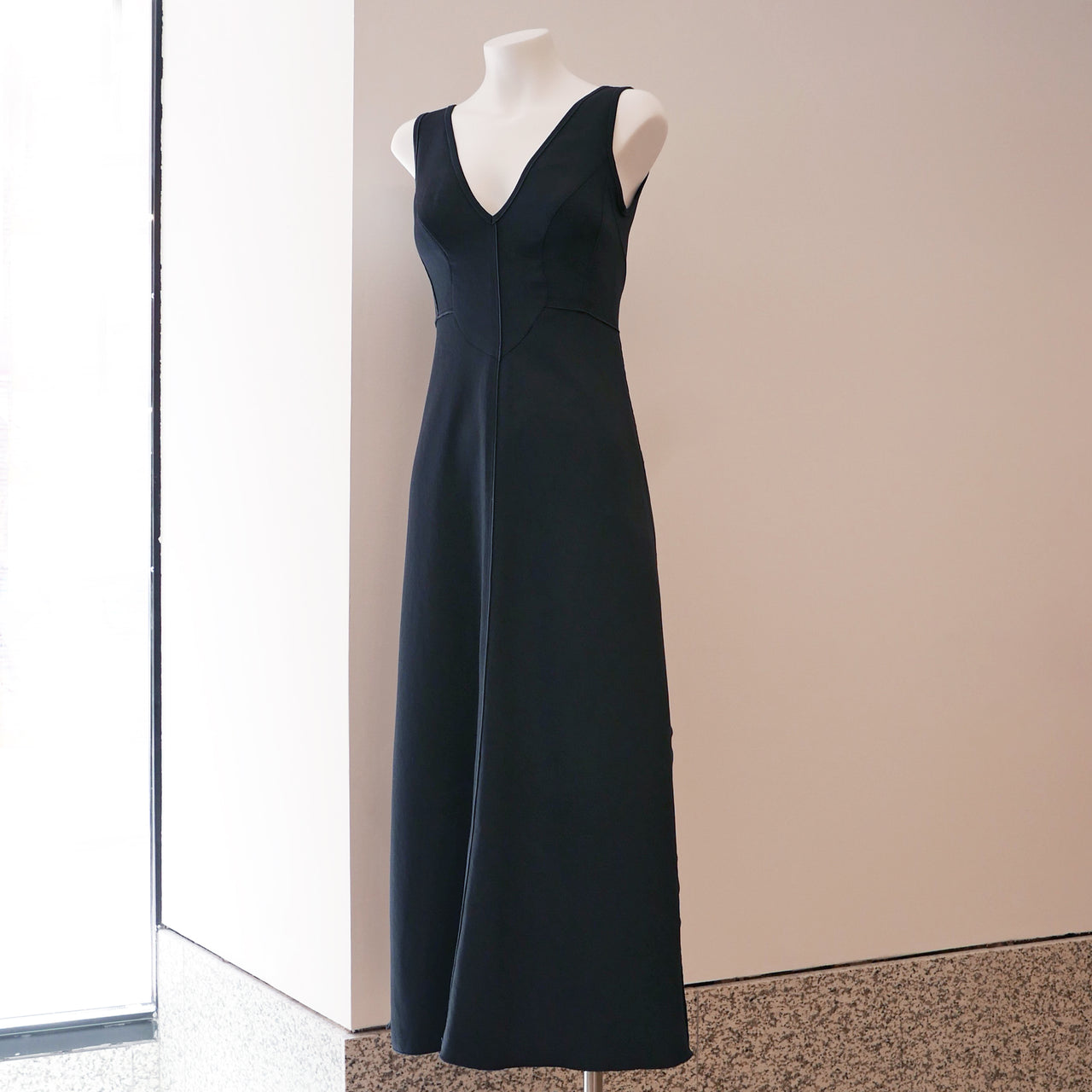 Agate Dress in Pebble Black