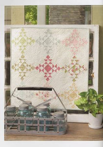 Acorn Cottage: Quilts with Simple & Sophisticated Style by Brenda Riddle