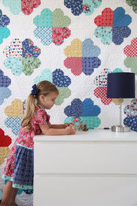 Clover Quilt Pattern by Cluck Cluck Sew