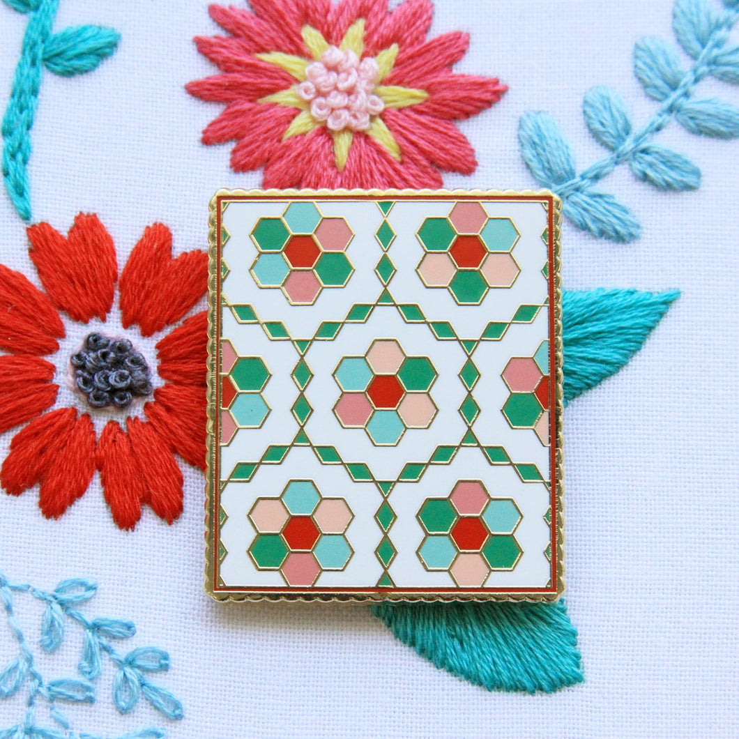 Needle Minder - Vintage Flower Garden Quilt by Flamingo Toes