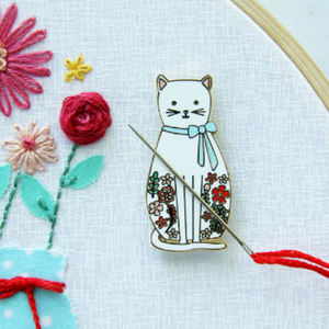 Needle Minder - Floral Cat by Flamingo Toes