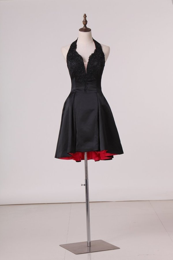 A Line Halter With Applique Homecoming Dresses Satin P2GAR9EE