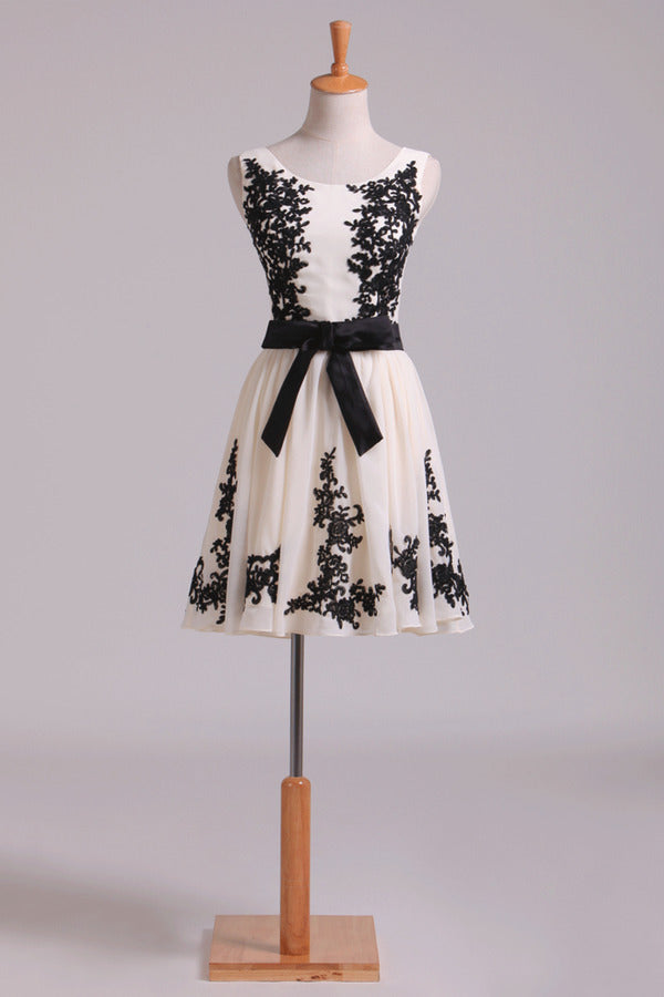 Straps A Line Chiffon Prom Dress Short With Black Applique & P5233X9G