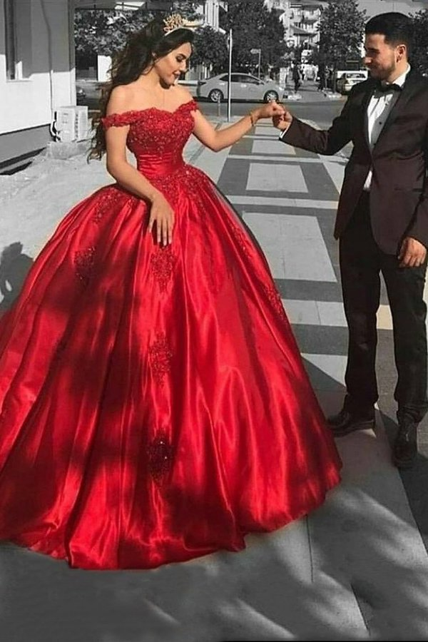 2020 Ball Gown Prom Dresses Off The Shoulder Satin With Applique PY93BEXX