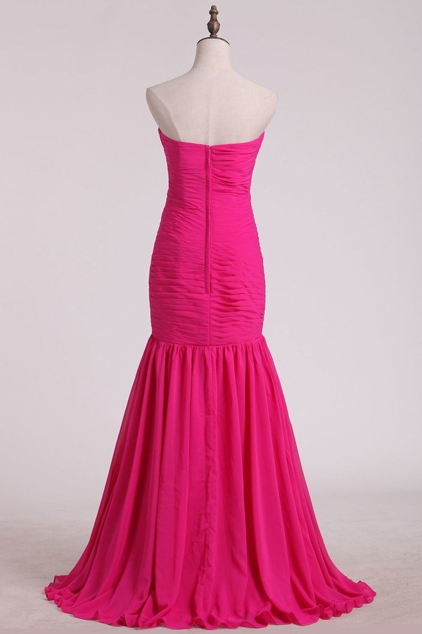 Fuchsia Sweetheart Ruched Bodice Bridesmaid Dresses Mermaid/Trumpet Chiffon Floor PM69NGK8