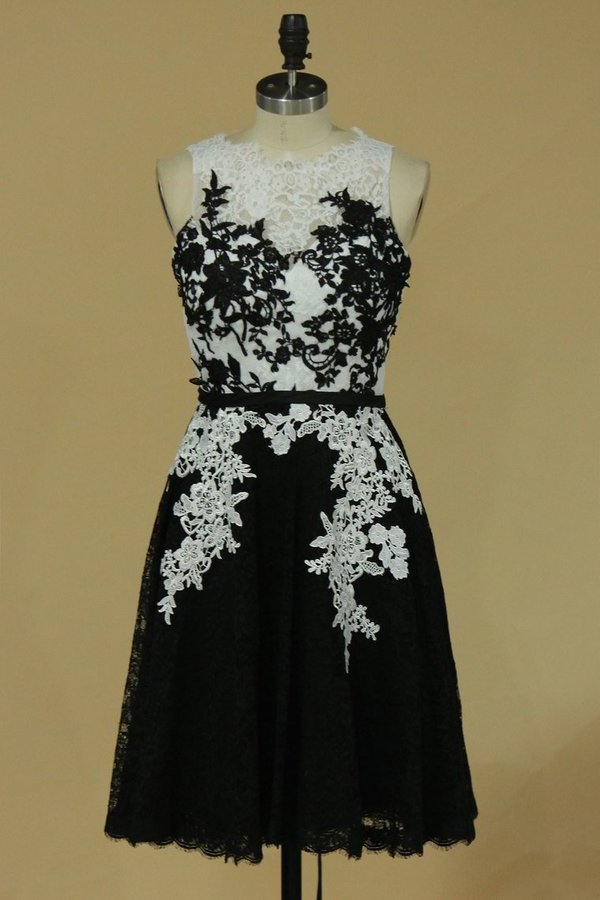 A Line Scoop Evening Dresses Lace Knee Length With Applique And PHRGYFR1