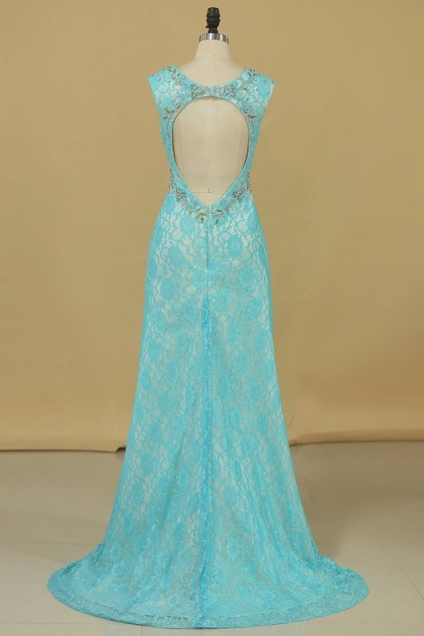 2020 Sexy Open Back V Neck With Beads And Slit Prom Dresses Mermaid Lace P6AZ92H5