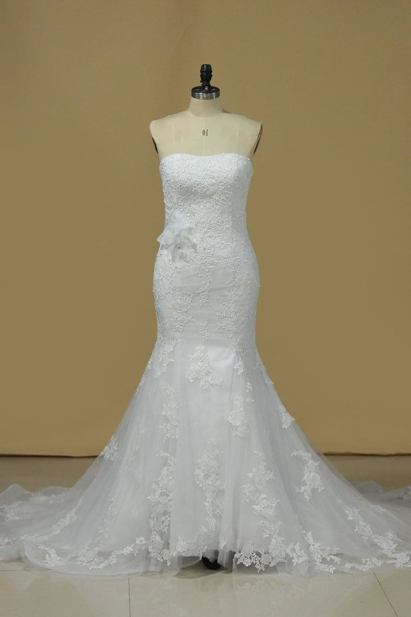 2020 Strapless Mermaid/Trumpet Wedding Dress With Applique P1D1Q8RA