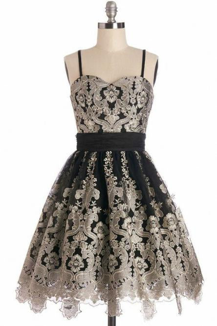 Simple Spaghetti Straps Black Tulle Vintage Homecoming Dress with Lace Appliques