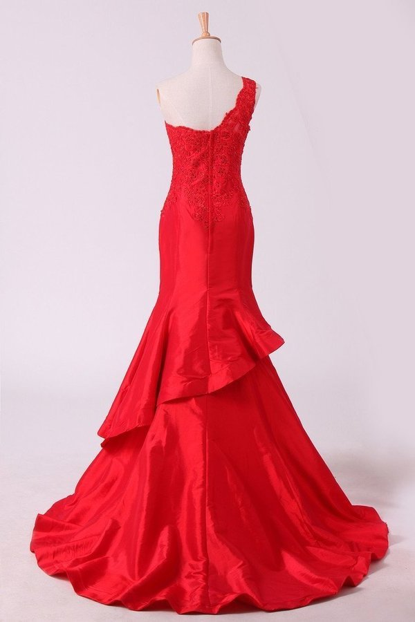 2020 Red One Shoulder Mermaid Prom Dresses Taffeta With Applique P6L3PQD8