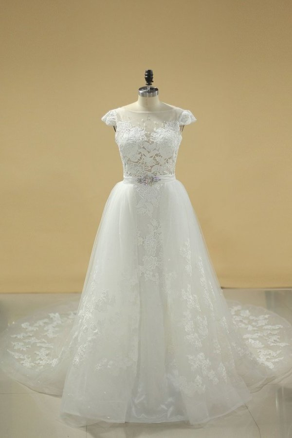 Bateau Sheath Wedding Dresses Tulle With Applique And PDTB3K4T
