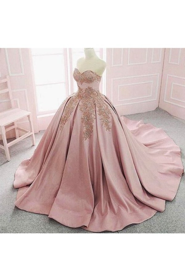 2020 Ball Gown Sweetheart Quinceanera Dresses Satin With Applique PFA6X66H