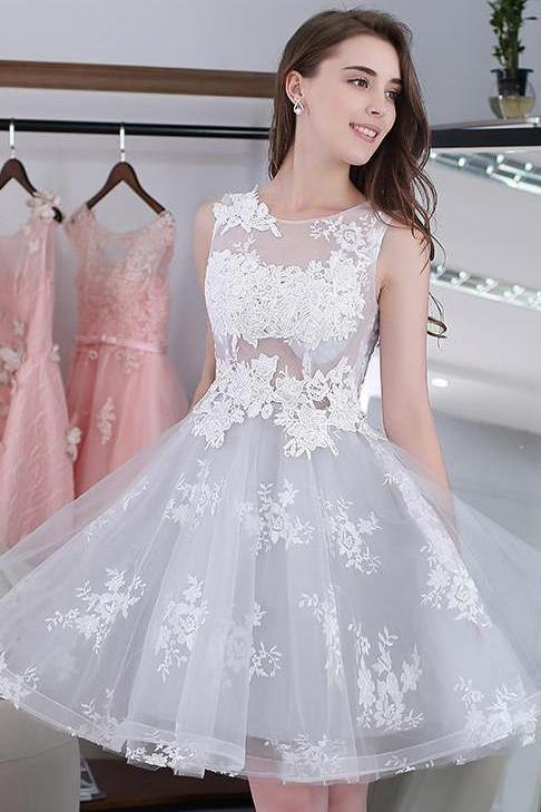 Knee-length Sleeveless Short Cute A-line Lace Appliques Tulle Homecoming Graduation Dress