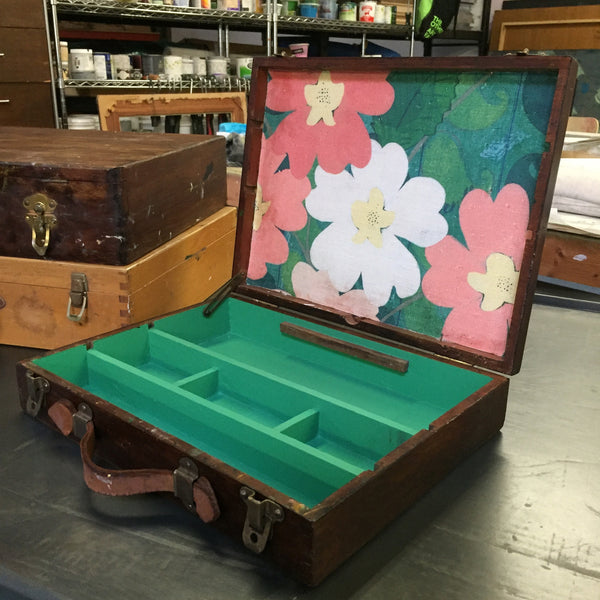a Green Paisley Painters Box