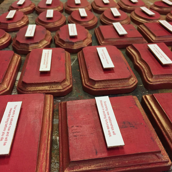 Good Fortune plaques Red