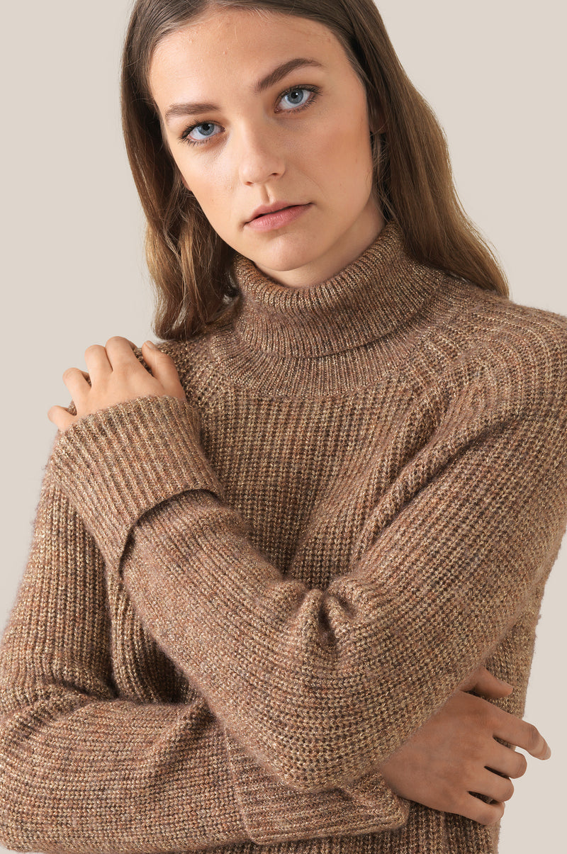 Carri Knit T-Neck