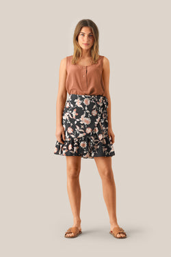 Neo Short Skirt