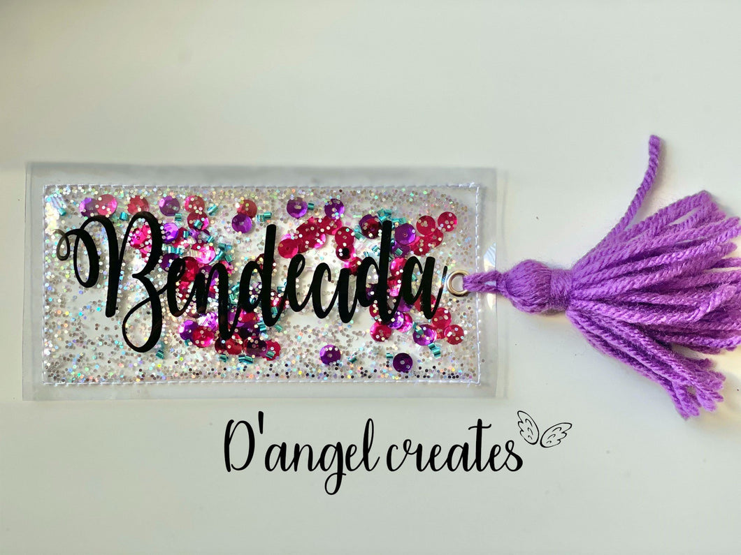 Bendecida Shaker Bookmark with yarn tassel - Single Tone Print