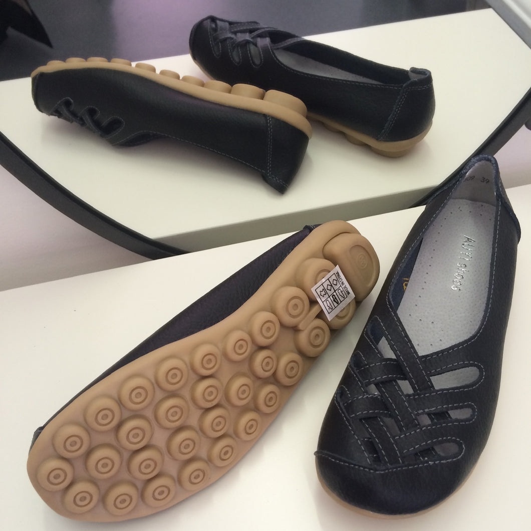 Black Lattice Style Leather Nodule Shoes