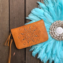 Load image into Gallery viewer, Hand  tooled leather zip round wallet