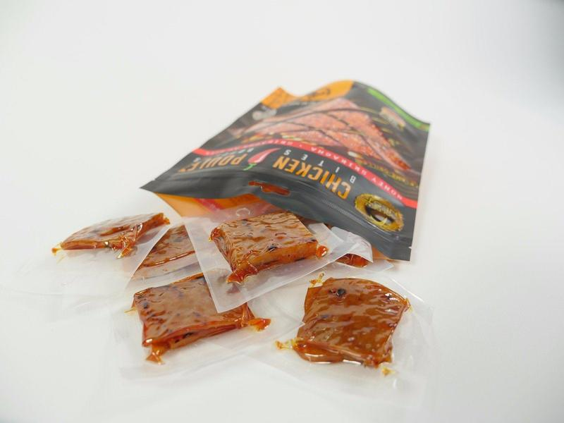 Golden Nest Chicken Jerky Bites - Honey Sriracha - 4 oz. + FREE 1 Jerky Bar ( 1.5oz)