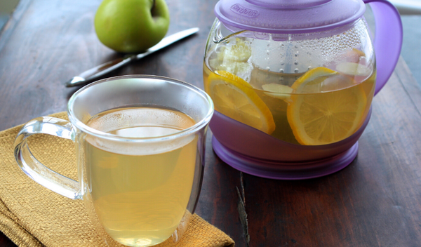 Fresh Ginger and Lemon Infused Green Tea with Honey