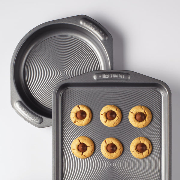 Nonstick Cookie and Cake Set