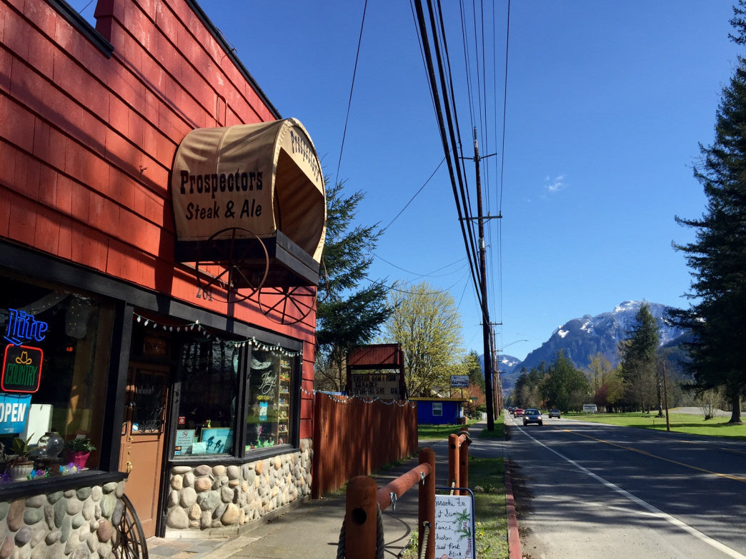 The Prospector, in the town of Gold Bar, offers a relaxed atmosphere for beers and grub after a good hike.