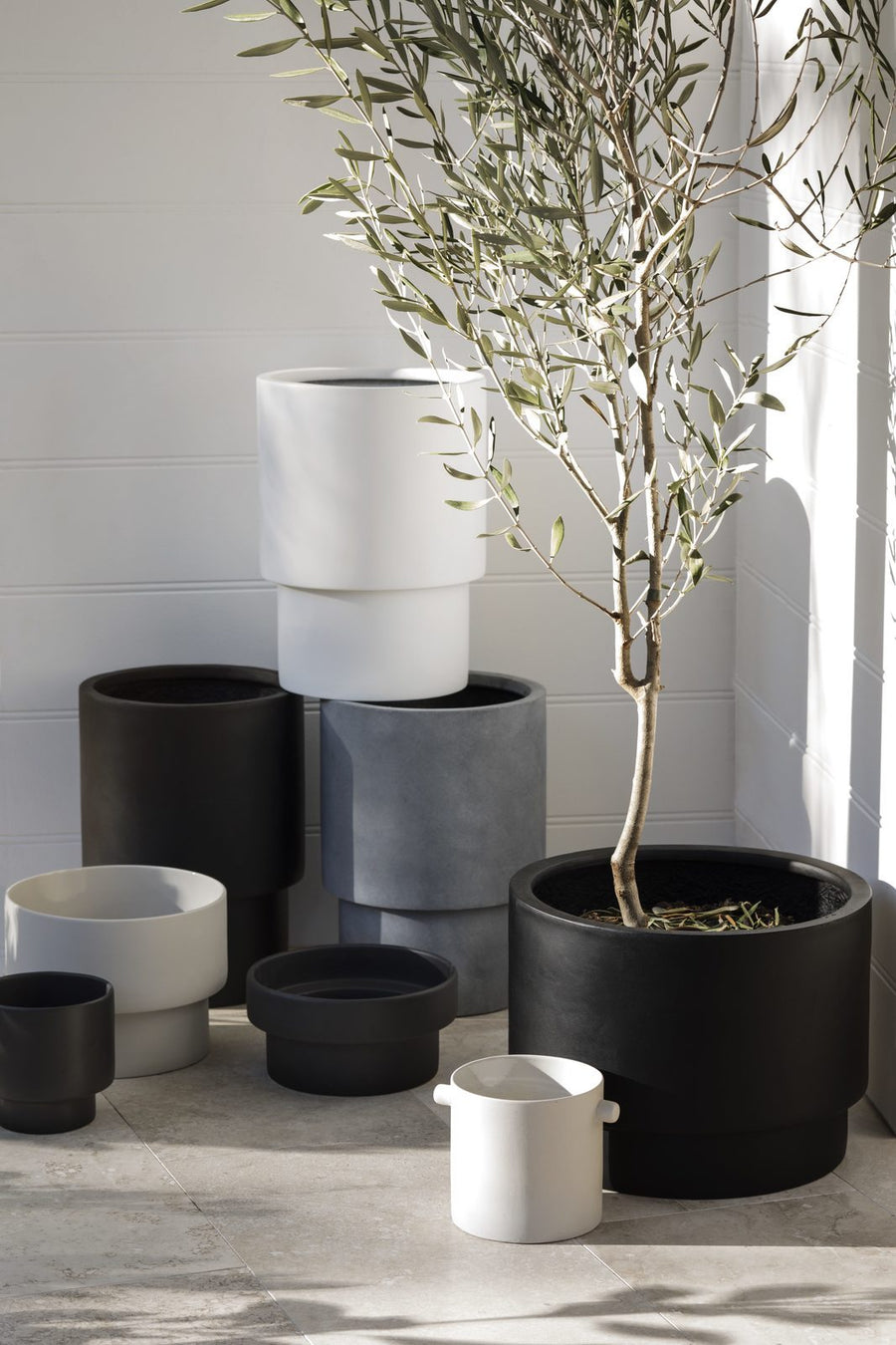 Tower Pot Tall Black