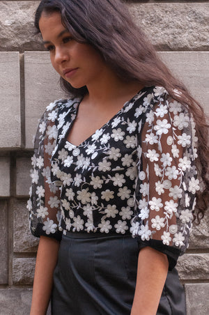 Roses | Puff-Sleeved Blouse | Black and White